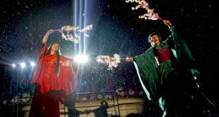 Festiwal światła, śpiewająco w deszczu